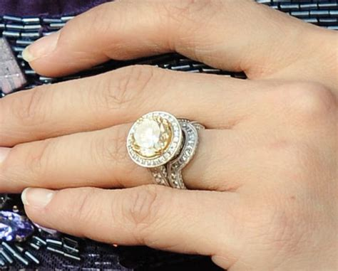 Carrie Underwood's ring..holy moly.   Gorgeous Jewelry