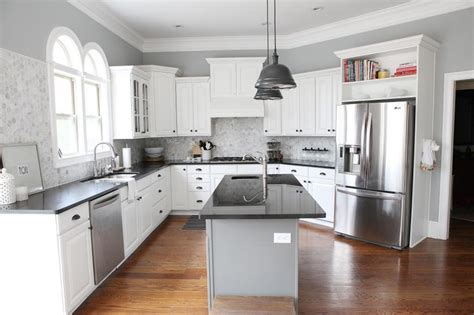 White Cabinet Grey Countertop by Grey Kitchen Cabinets Black Countertop Quicua