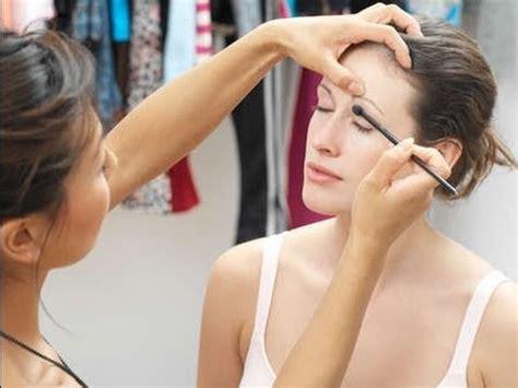 starting as a freelance makeup artist
