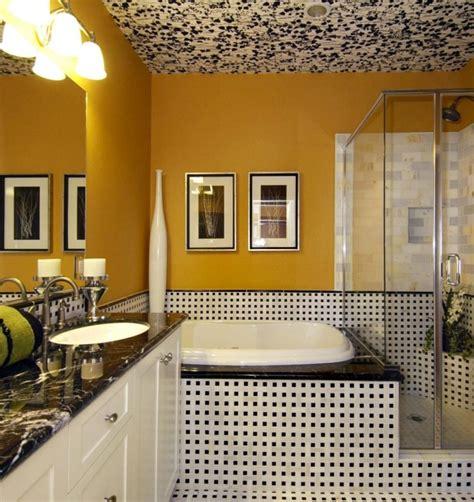 Exceptionnel Idee Carrelage Salle De Bain Moderne #2: 2superbe-suggestion-couleur-salle-de-bain-jaune-idee-carrelage-int%C3%A9ressante-peinture-plafond-salle-de-bain-original-cabine-de-douche-en-verre-e1472822746978.jpeg