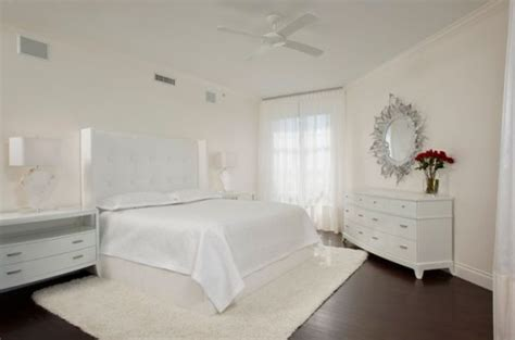 Bedroom Design And White Sparkling White Walls That Can Make A Room Shine And Stand Out