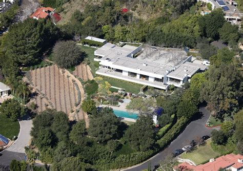 aniston s bel air mansion zimbio
