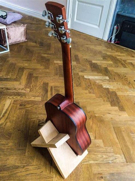 diy guitar stand simple guitar stand bigdiyideas