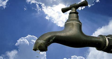 acqua rubinetto rubinetto di acqua foto di repertorio comune di