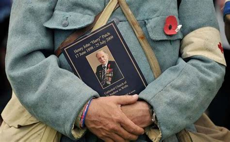 the last fighting the of harry patch last veteran of the trenches 1898 2009 books harry patch remembering britain s last fighting