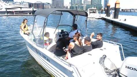 self driving boat hire speed boat hire self drive up to 10 passengers