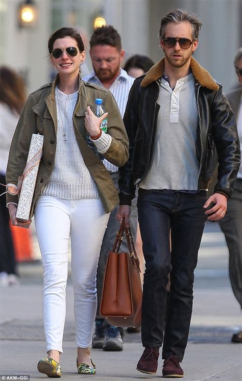 anne hathaway and husband adam shulman step e online anne hathaway and husband adam shulman step out in