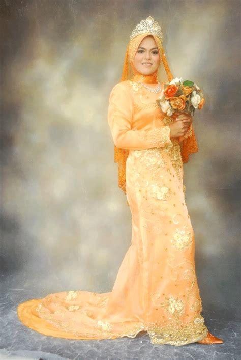 Baju Kahwin Oren baju pengantin oren memukau butik pengantin shella 012 2701230