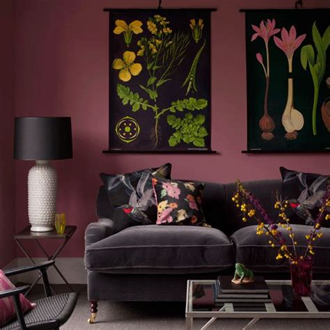 ways  decorate   charcoal sofa maria