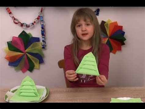 weohmschtsbaum dekoration selsbt mschen serviette weihnachtsbaum falten kindern machen weihnachts dekoration selbst