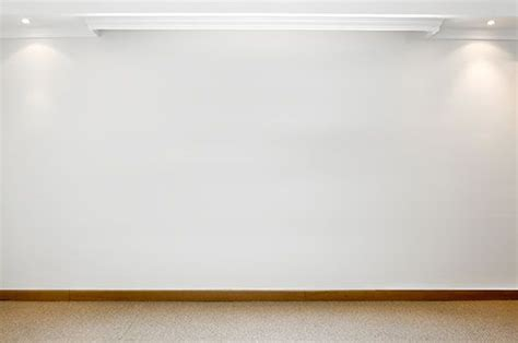 white wall pictures plain white wall focus jpg 500 215 332 fundementals of