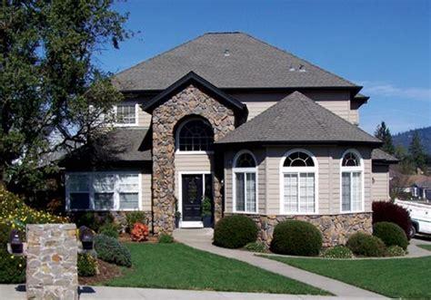 esterni casa dipingere esterno casa unifamiliare consigli e costi