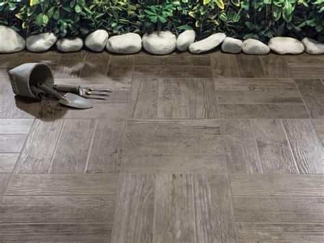 pavimenti rondine piastrelle gres porcellanato rondine doghe pavimenti interni