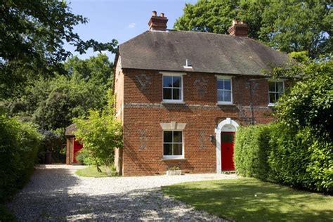 middleton home kate middleton s childhood home is sold at auction zimbio