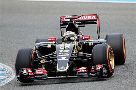lotus 2014 f1 car lotus s e23 2015 formula 1 car makes track debut at jerez