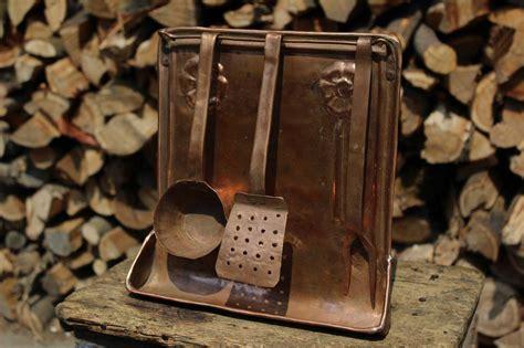 oggetti in rame per cucina set attrezzi cucina da parete in rame per la casa e per