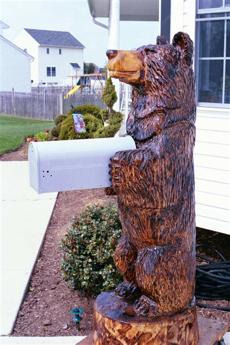 artisans   valley custom chainsaw carvings  bob