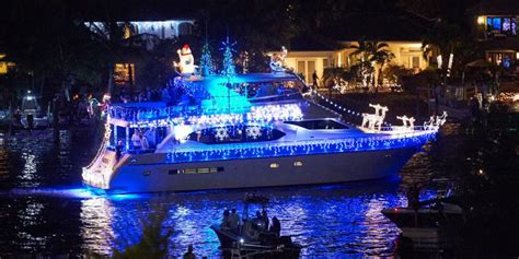 find  holiday boat parade   hmy yacht sales