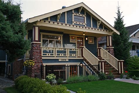 craftsman style architecture craftsman wood railing with safety plexiglass deck