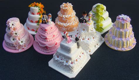 Wedding Miniature by Dolls House Miniature Wedding Cake