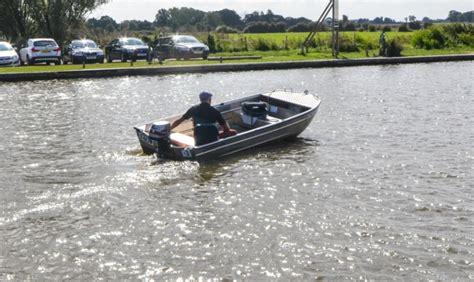 fishing boat hire brundall freddy fishing boat riverside rentals
