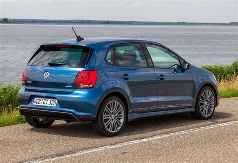 volkswagen hatchback volkswagen polo hatchback review parkers
