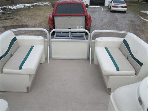 bennington boats seats 1999 bennington 18 pontoon boat w 1999 johnson 50hp seats
