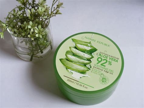 Nature Republic Soothing Moisture Aloe Vera Soothing Gel 300ml review gel nha 苟am nature republic soothing moisture aloe