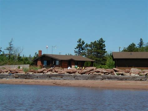 Pei Oceanfront Cottage Rentals by Oceanfront Log Cabin On 3 Br Vacation Cottage For Rent In Summerside