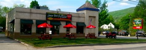 gorham house of pizza 10 best restaurants near colonial fort inn hikers paradise