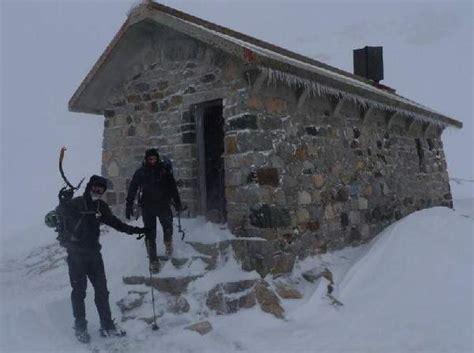 Cabanne En Bois 2280 by Refuges Cabanes Et Abris Des Pyr 233 N 233 Es