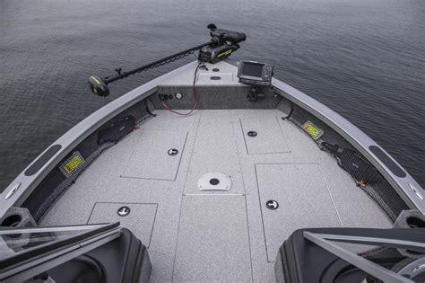 raptor boats review crestliner 2100 raptor review