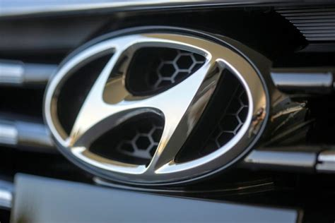 hyundai logo meaning the badge the secret meaning of the hyundai logo
