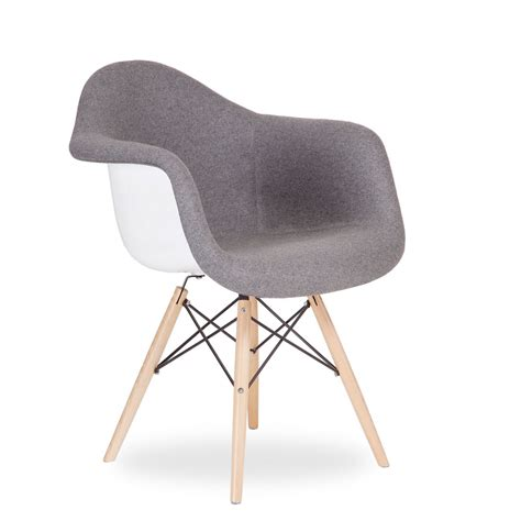 chaise charles eames dsw chaise charles eames dsw luxe mlf molded plywood lounge