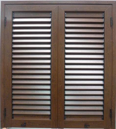 persiane in alluminio effetto legno persiane in alluminio effetto legno pannelli termoisolanti