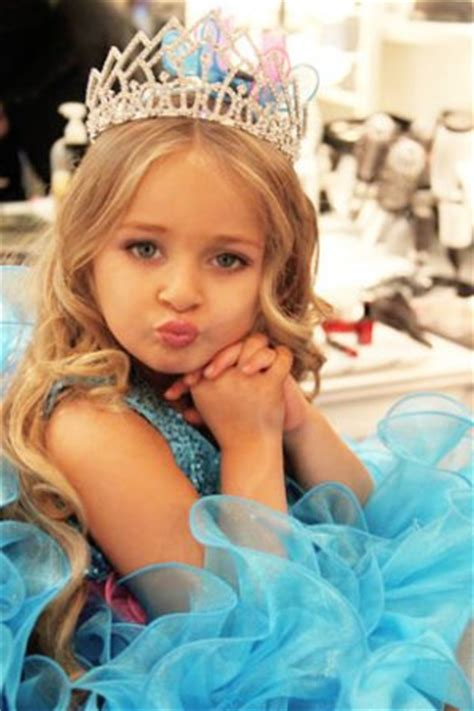 Toddlers And Tiaras Controversies Business Insider - toddlers tiaras mom sues media for 30 million for