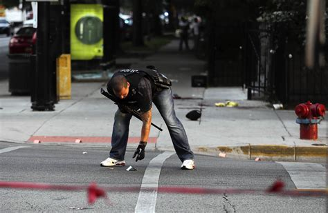 uptown chicago violence 1 of 5 men wounded outside uptown church dies chicago
