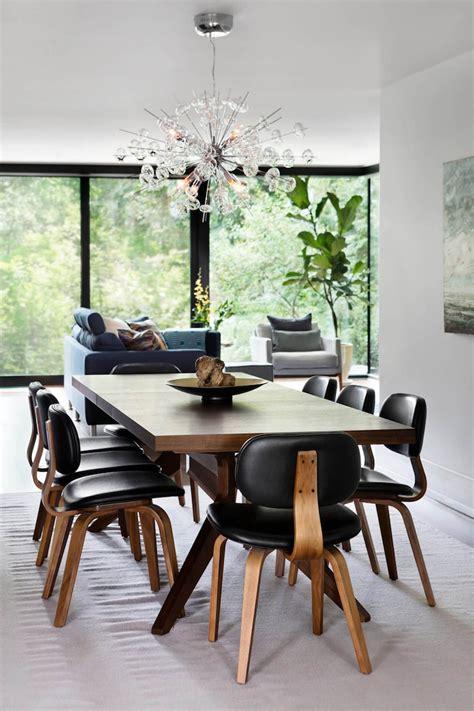 lustre salle a manger meubles bois massif assortis au parquet et salles de bains