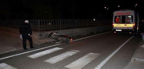 motosikletli sahis belediye calisanina carpip kacti