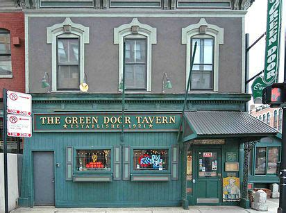 The Green Door Tavern by Los 20 Bares M 225 S Geniales Y Antiguos Mundo
