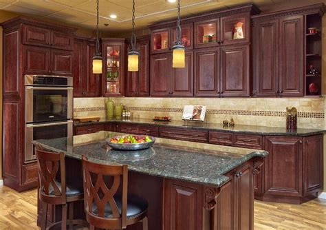 Pictures Of Kitchens With Cherry Cabinets by Best 25 Cherry Wood Kitchens Ideas On Pinterest Cherry