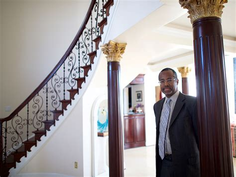 Ben Carson S House Photos Show An Homage To Himself And Jesus People Com