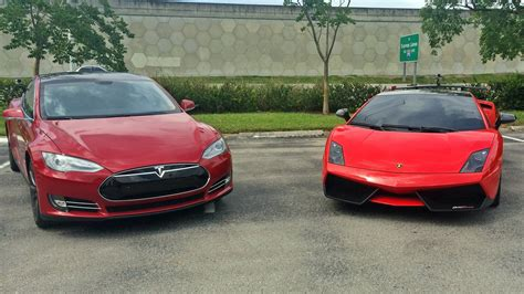 Tesla Model S P85 vs Lamborghini Gallardo LP570 4 Super