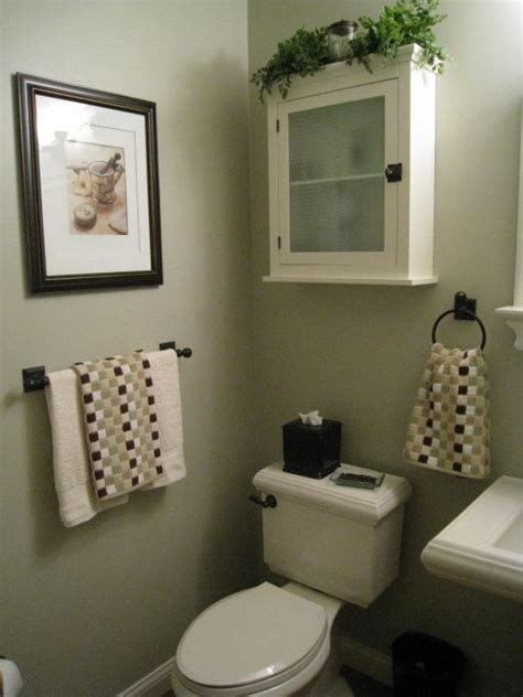 Bathroom Decorating Ideas Small Bathrooms 25 Best Ideas About Small Half Bathrooms On Pinterest Half Bathroom Remodel Half Bathrooms