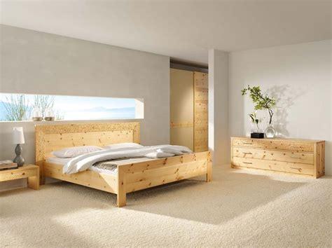 bett zirbenholz handgefertigte massivholz m 246 bel zirbenholz bett