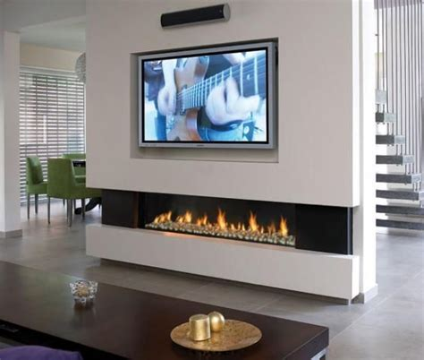 Gas Fireplace And Tv by 25 Best Ideas About Ethanol Fireplace On