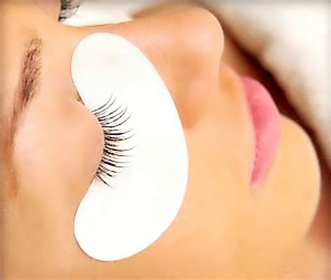 protect your beautiful with eye pads during eyelash extensions curved eyelash