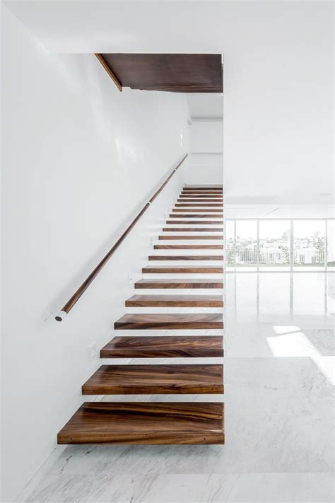 Floating Stairs Design 25 Best Ideas About Floating Stairs On Pinterest Contemporary Stairs Modern Stairs Design