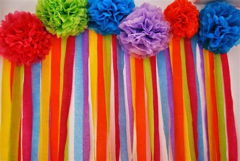 como se hacen las cadenas con papel crepe como hacer cortinas para fiestas