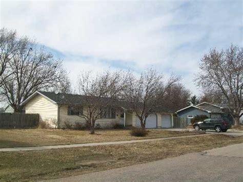 Houses For Sale In Grand Island Ne by 120 Beachwood Dr Grand Island Nebraska 68803 Foreclosed Home Information Foreclosure Homes